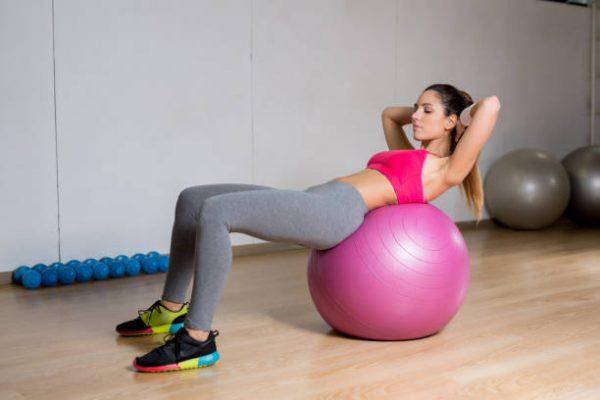 Accesorios para poder entrenar en casa fitball