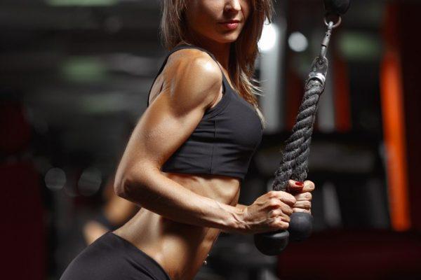 Aumentar brazos polea triceps