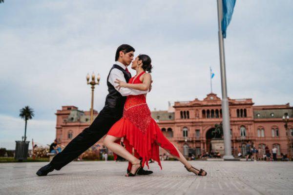 Bailes que nos ayudaran a fortalecer gluteos y piernas tango
