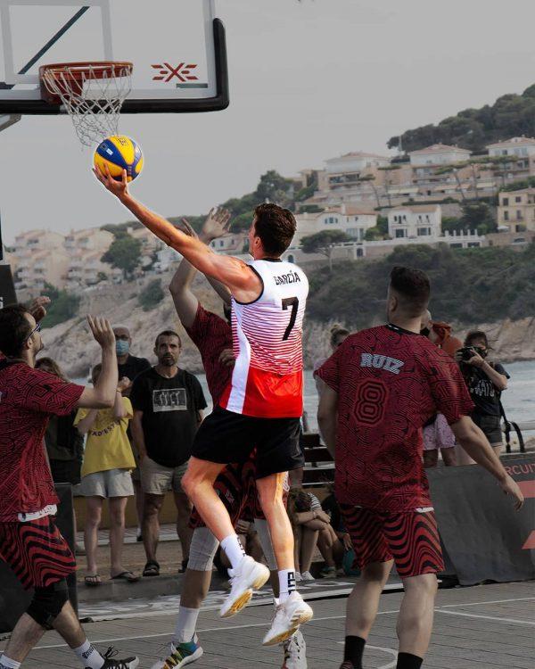 Baloncesto 3 x 3: qué es, cuánto dura y las principales diferencias con el baloncesto clásico bandeja