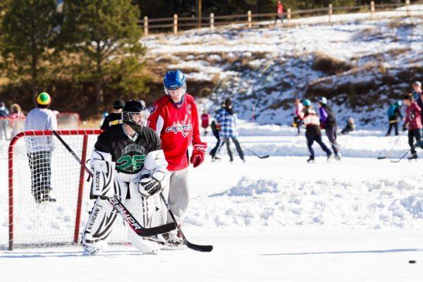 ¿Cuáles son las funciones y posiciones de los jugadores de Hockey? Sobre Hielo