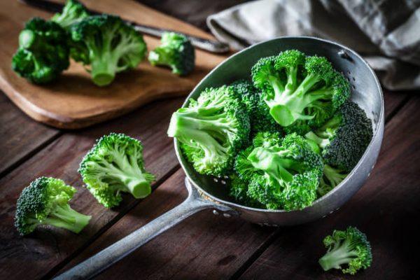 Cuales son las verduras que se pueden comer crudas y que beneficios tienen 9