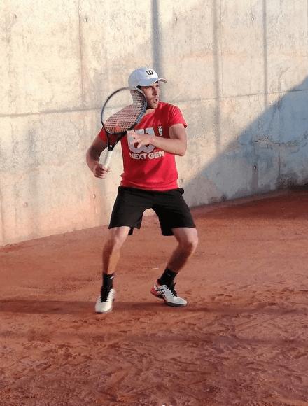 ¿Cuáles son las diferencias y similitudes entre el pádel y el tenis? Muro