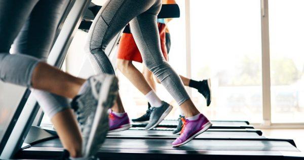 Ejercicios aerobicos que ayudan a destapar los abdominales cinta