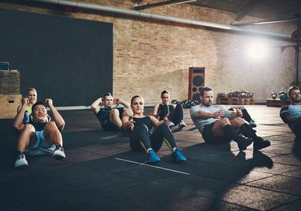 Ejercicios aerobicos que ayudan a destapar los abdominales