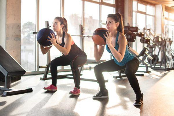 Ejercicios de pilates para piernas y gluteo sentadillas