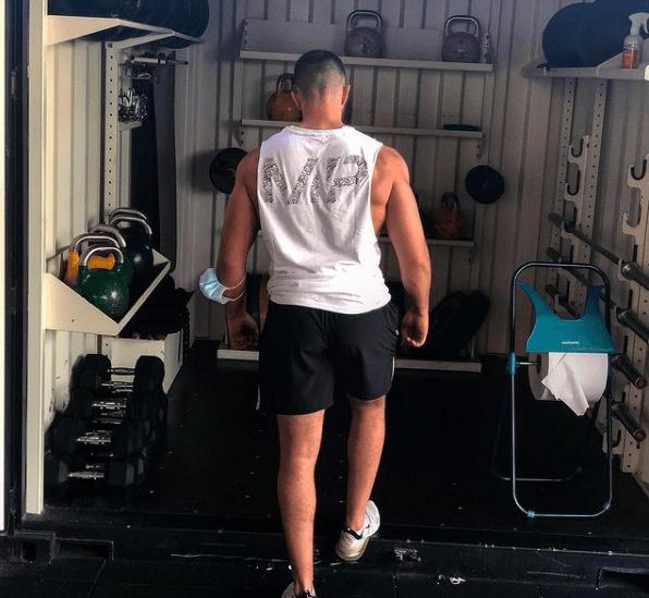10 ejercicios de glúteos perfectos para hombres trabajo