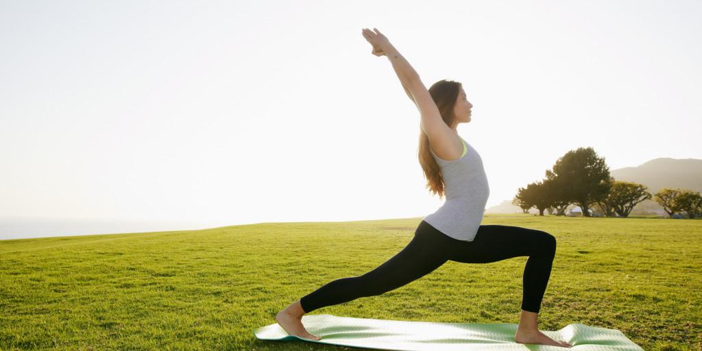 ejercicios-para-hacer-en-casa-yoga