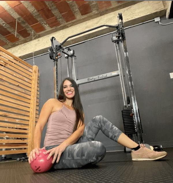 La mejor rutina de pesas HIIT para definir tus músculos balón medicinal