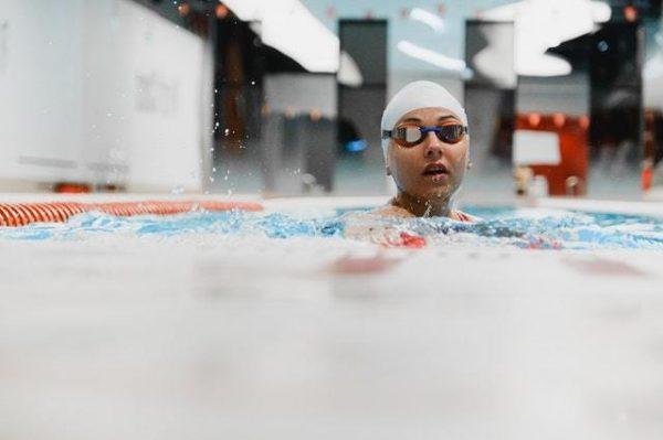 Los mejores juegos acuáticos para disfrutar de la piscina beneficios