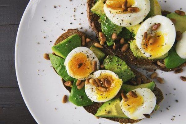 Los 10 mejores alimentos para controlar la ansiedad huevos