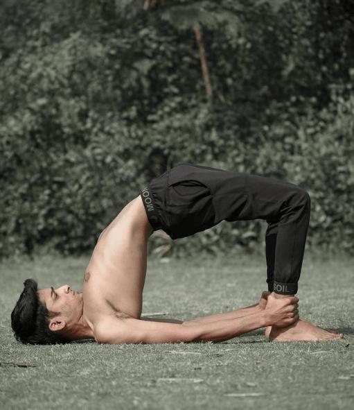 Los mejores consejos y ejercicios para aliviar el dolor lumbar Yoga