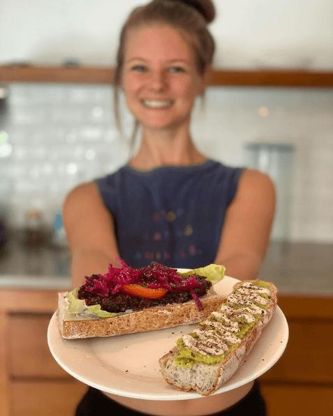 Las mejores dietas sin gluten para aumentar masa muscular tostada de aguacate y tomate seco