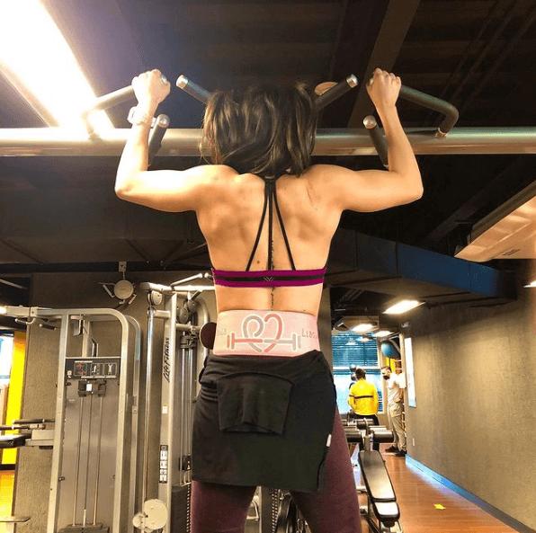 10 mejores ejercicios multiarticulares para adelgazar dominadas