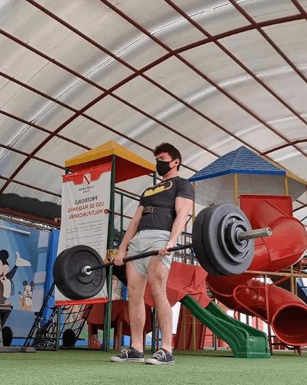 10 mejores ejercicios multiarticulares para ganar masa muscular peso muerto