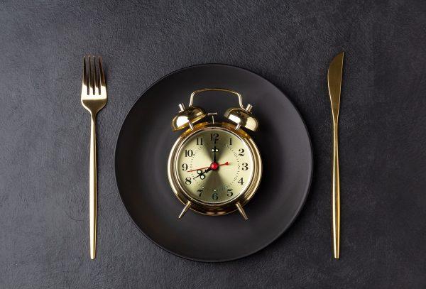Que es el ayuno intermitente beneficios tipos horarios menus