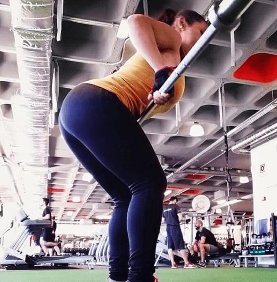 Remo con barra: qué es; cómo se hace; que músculos se trabajan y cuáles son sus variantes woman fit 123