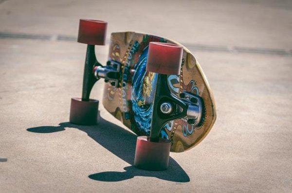 Skate: qué es, normas y cómo saber elegir una tabla estilo