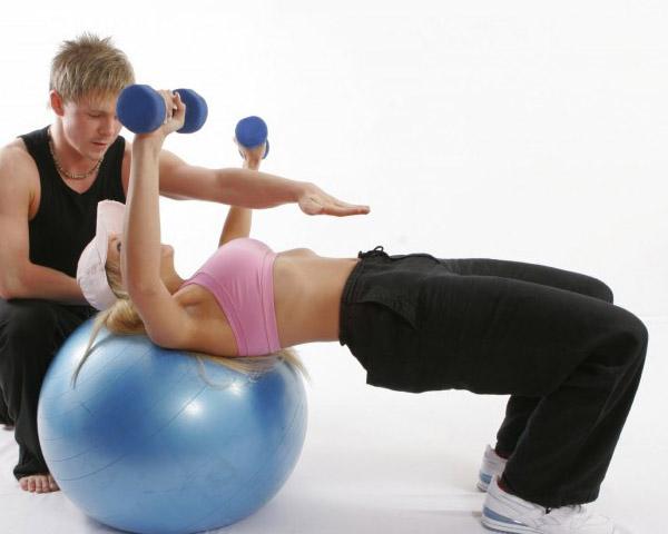 Ejercicio pelota abdominales