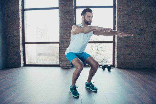 Como entrenar pierna en casa durante la cuarentena por el coronavirus lunge