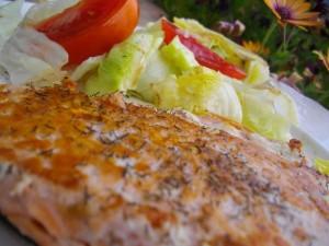 dieta-perfecta-para-definicion-verano-cena-pescado-a-la-plancha-y-ensalada