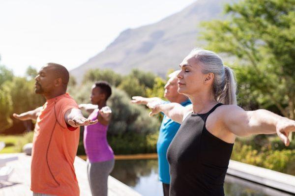 Ejercicio para personas mayores de 60 anos rutina diaria estiramientos