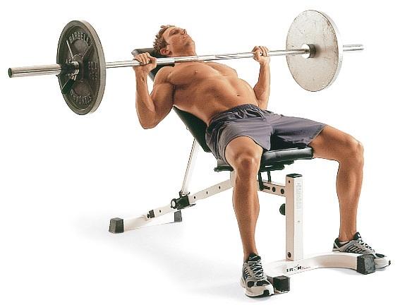 ejercicios-para-pectorales-press-banca-inclinado