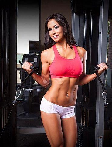 Las 10 cuentas de Instagram de chicas fitness que más han triunfado en 2014 kerri-hayes