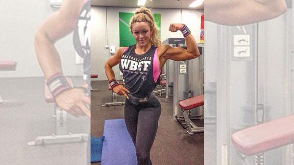 las-mejores-chicas-fitness-con-cuerpos-increibles-MAGGIE-RUSSELL-en-el-gimnasio-marcando-brazo