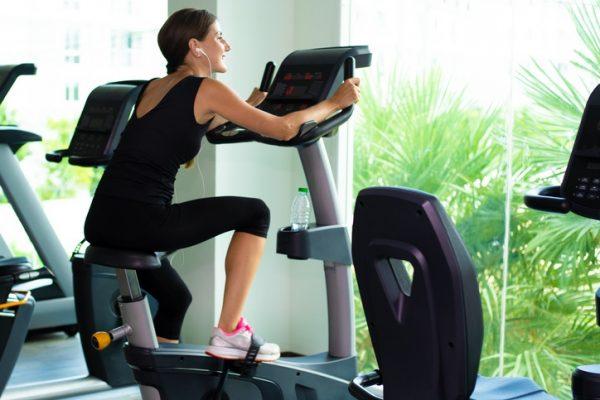 Los mejores ejercicios de activacion para calentar y evitar lesiones bici estática